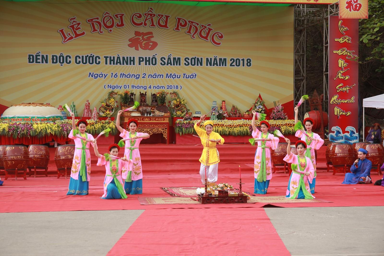 http://samson.thanhhoa.gov.vn/portal/Photos/2018-04-02/aa7a3d02f4dd88ddIMG_3695%20(cau%20phuc.JPG
